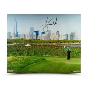 Tiger Woods Autographed NYC 16x20 Print
