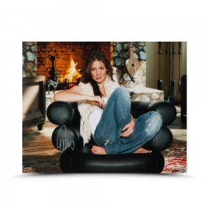 Evangeline Lilly Autographed Cool & Comfy 16 x 20