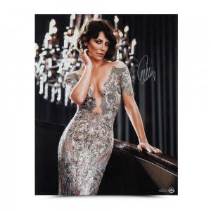 Evangeline Lilly Autographed Sizzling in Silver 16 x 20