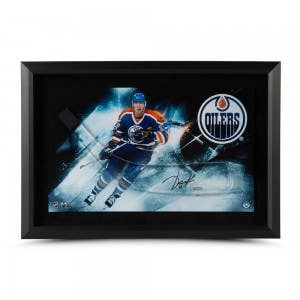Jari Kurri Autographed Stick Blade with Edmonton Oilers Picture – Framed