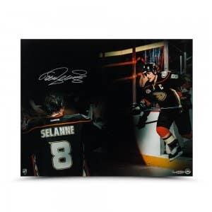 Teemu Selanne Autographed Final Home Game Photo